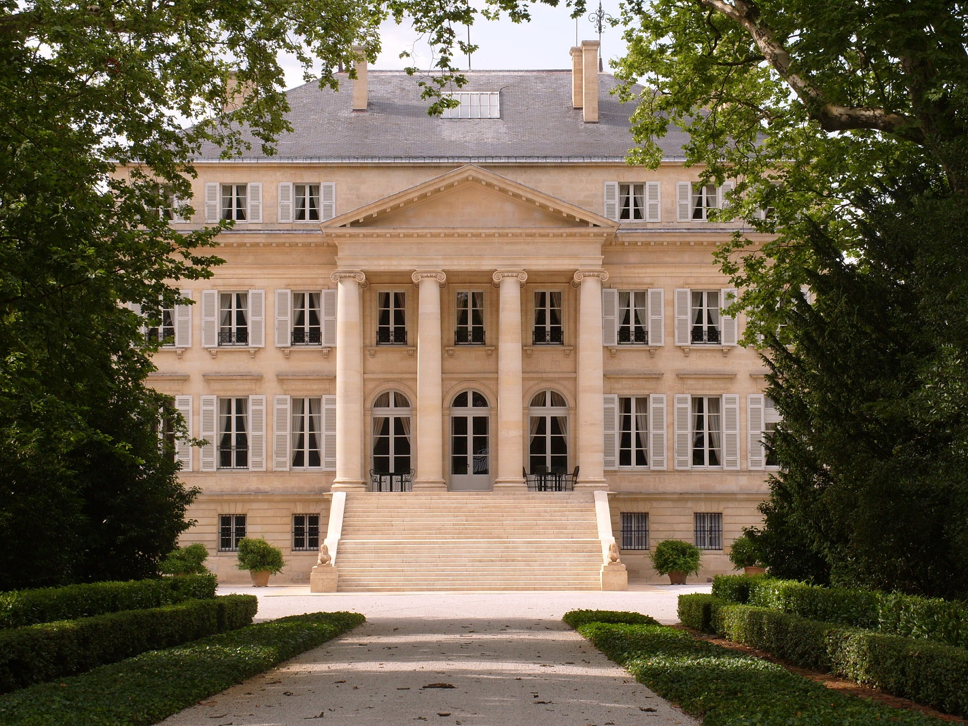 Openings institute of traditional architecture for Chateau margaux